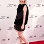 Emma Roberts a teljesen fekete szett mellett tette le voksát. Különleges szabású Balenciaga ruháját mindenki csodálta a Palo Alto premierjén, a Tribeca Filmfesztiválon.