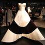 A Prabal Gurung ruha emlékeztet James Négylevelű lóhere fantázianévre keresztelt ruhájára.