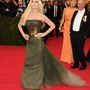 Donatella Versace szörnyen nézett ki.