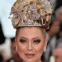 A 67. Cannes-i filmfesztiválra az orosz reality-celebként aposztrofált Lenina koronát építtetett a fejére.