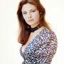 Jacqueline Bisset angol színésznő már a hetvenes évek divatját viseli.