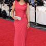 Susanna Reid oldalt csavart rózsaszín estélyije nőies és pont eleget mutat a BBC műsorvezetőjének alakjából.