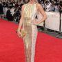 Millie Mackintosh, a Made in Chelsea című reality-sorozat celebnője sem vetkőzött le túlságosan, feltűnő, de csinos.