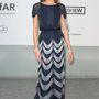 Karlie Kloss modell gyöngyös Chanel estélyije elegáns, klasszikus.