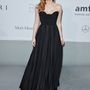 Jessica Chastain Givenchy Couture estélyije is elegáns darab.