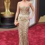 Kristin Chenoweth Jolie-hoz hasonlóan már az Oscaron ellőtte ezt a ruhát