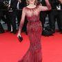 Jane Fonda a Cannes-i fesztivál nyitóünnepségén Elie Saab Couture ruhában.
