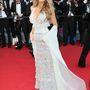 Lively a Mr Turner premierjén május 15-én, Chanel Couture ruhában, Sophia Webster 'Etta' cipőben.