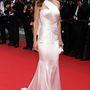 A film premierjére Swank Atelier Versace estélyit és Chopard ékszereket vett.