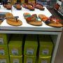 Deichmann: utolsó cipőkörképünk óta beerősített a márka, nagyon jó papucsaik vannak nyárra, és tényleg csak 2990 forintba kerülnek.