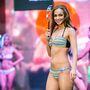 A klasszikus, színes csíkos bikini jó pár év múlva is divatos lesz.