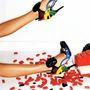 Pár évvel ezelőtt a Balenciaga majdnem 1 millió forintos Lego cipője nyerte el Madden tetszését.