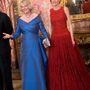 Szintén pirosban Kamilla cornwalli hercegnével 2011-ben Madridban.