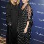 Mary-Kate Olsen 2006-ban kezdte el hordani a boszorkányos, fekete színű ruhákat hordani, mikor a fél divatvilág flip-flopban és túl hosszú pólókban járt-kelt.