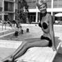 A  csíkmentes barnulás hívei ilyen fürdőruhában is napozhattak 1972-ben.