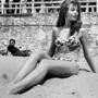 Brigitte Bardot az 1953-as Cannes-i filmfesztivál alatt ebben a bikiniben süttette a hasát.