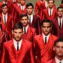 Vörös izzás a Dolce&Gabbana kifutóján.