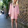 Az iskolás-lány hangulat igenis menő, csak sulis egyenruhát kell lecserélni egy kifinomultabb ruhára. Alice Zielasko divatblogger.
