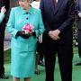2005, október: a norvég királyi család látogatásakor is pont jó volt a láncos mokaszin.