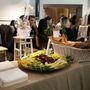 Kolbászt és erőspaprikát kínáltak a vendégeknek, és 20% kedvezményt a kollekció üzletbe kerülésének örömére.