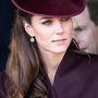 Katalin hercegné nem szeret kérkedni ékszergyűjteményével. 2011 karácsonyán így ment templomba Sandringhamben.
