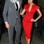 A focistafeleség tetőtől-talpig pirosban érkezett a milánói Vogue Partyra 2009-ben, míg férje egy sállal dobta fel makulátlan öltönyét.