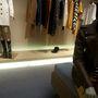 Gucci: gumipapucsot 40 helyett 20 ezer forintért, edzőcipőt 102 ezer forint helyett 51 ezerért vásárolhat.