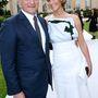Jennifer Lawrence a Christian Dior Couture igazgatója, Sidney Toledano mellett is jól érzi magát.