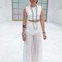 Kristen Stewart új frizurájával hívta fel magára a figyelmet a Chanel bemutatón. A ruha viszont nem teli találat.