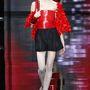 Armani szerint belefér az haute couture kollekcióba a csőtop.