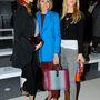 Hírességek, például Poppy Delevingne (bal oldalon) és Olivia Palermo (középen) is hivatalosak voltak a 2014-es őszi-téli kollekció bemutatójára.