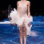 Farkas Zita Lan Yu bemutatóján a párizsi couture héten.