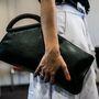 Az IO Bags bőrtáskái nagyon különlegesek, de meg is kérik az árukat: ez a clutch 98 ezer forint.