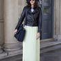Menő a vintage ruhákat keverni a rocker stílussal.