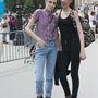 A Chanel két üdvöskéje ,Grace Hartzel és Yumi Lambert is szívesen öltöznek rocksztárnak.
