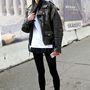 Az egyik legfelkapottabb modell, Ming Xi is a szintén trendi edzőcipővel keverte be a stílust.