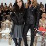 Jillian Banks és Dakota Johnson a Chanel showra érkeztek rockernek öltözve.