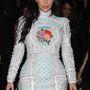 Kim Kardashian lánybúcsús ruhája 4,4 millió forintot kóstál.