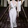 Ehhez a darabhoz sem vehet melltartót. (Atelier Versace - Párizsi haute couture divathét - 2014/15 ősz/tél)
