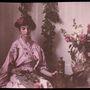 Etheldreda Janet Laing, egy autokróm képeiről híres fotós lányáról készítette ezt a fotót az 1900-as évek elején.