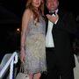 Lindsay Lohan nyakláncára a mellette álló úr is felhívja a figyelmet