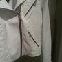 Gas outlet: ennek a fehér kabátnak a húzókájával van valami baj a rárakott cetli szerint, így kerül 17.900 forintba.