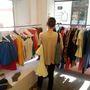 Háromtól húszezer forintig árazták be az előző kollekciók ruháit.