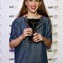 Tégely Laura most diplomázott a London College of Fashion divatsminkes szakán és a diplomája mellett hazavihette az év felbukkanó tehetségének járó díjat.