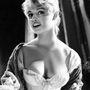 Volt idő, amikor mindenki Brigitte Bardot féle macskaszemeket akart magának festeni.