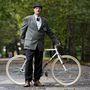 Gyönyörű Gepida kerékpár stílusos gazdával.
