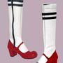 """Shani Bar: """"Stocking"""". A diáklányok uniformisait idéző csizma csak első ránézésre cuki."""