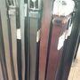 Levi's outlet: a bőrövek 25 euro körüli áron kaphatók.