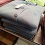 Benettoin: a pulóverek 30 euro körüli áron voltak kaphatók.
