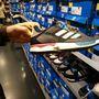 Adidas outlet: színben bezzeg van választék!